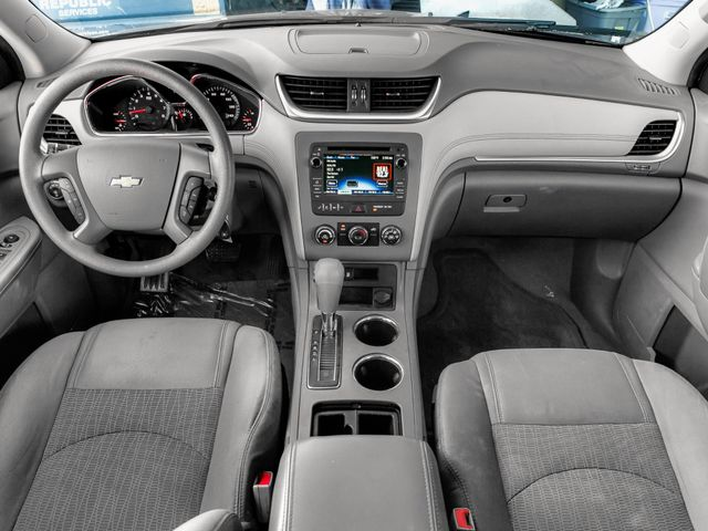 2014 Chevrolet Traverse LS Burbank, CA 7