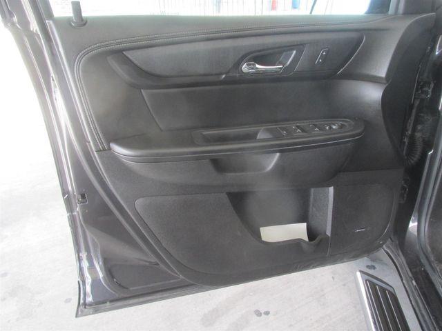 2014 Chevrolet Traverse LT Gardena, California 9