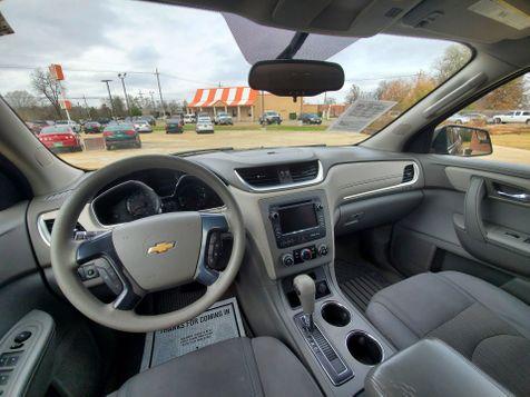2014 Chevrolet Traverse LS   Gilmer, TX   Win Auto Center, LLC in Gilmer, TX