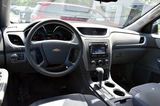 2014 Chevrolet Traverse LS Waterbury, Connecticut 9