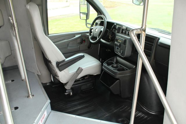 2014 Chevy Express G4500 StarTrans Senator 13 Passenger Shuttle Bus W/Lift Irving, Texas 10