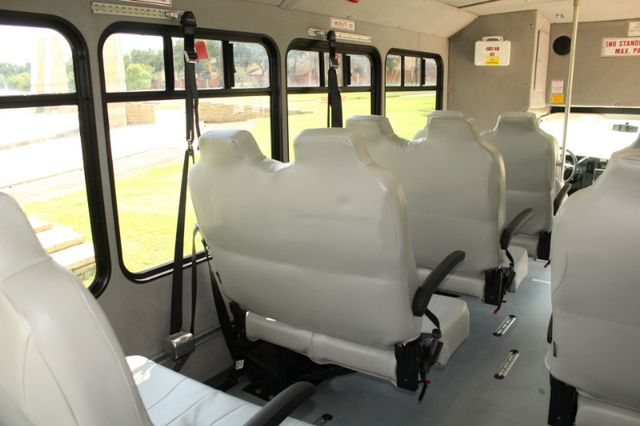 2014 Chevy Express G4500 StarTrans Senator 13 Passenger Shuttle Bus W/Lift Irving, Texas 25