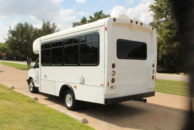2014 Chevy Express G4500 StarTrans Senator 13 Passenger Shuttle Bus W/Lift Irving, Texas 4