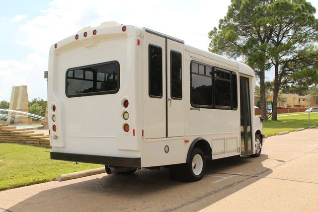 2014 Chevy Express G4500 StarTrans Senator 13 Passenger Shuttle Bus W/Lift Irving, Texas 6