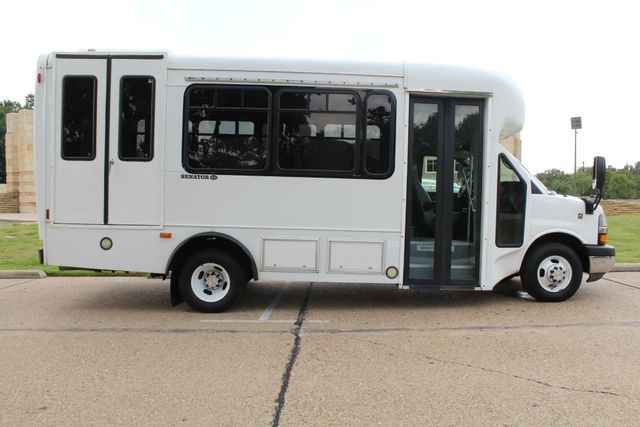 2014 Chevy Express G4500 StarTrans Senator 13 Passenger Shuttle Bus W/Lift Irving, Texas 7