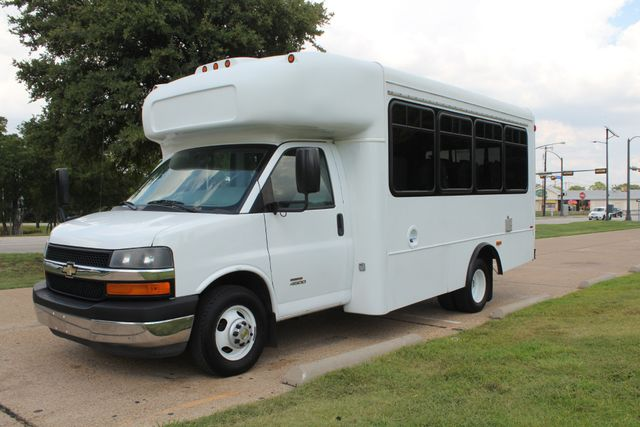 2014 Chevy Express G4500 StarTrans Senator 13 Passenger Shuttle Bus W/Lift Irving, Texas 70