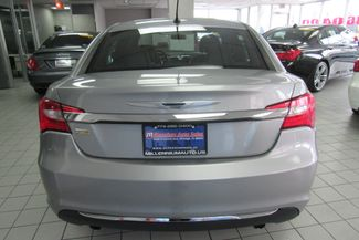 2014 Chrysler 200 Touring Chicago, Illinois 5