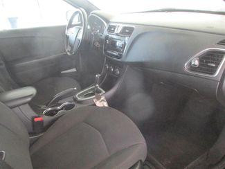 2014 Chrysler 200 Touring Gardena, California 8