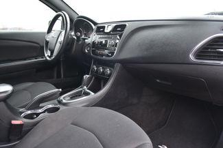 2014 Chrysler 200 Touring Naugatuck, Connecticut 8