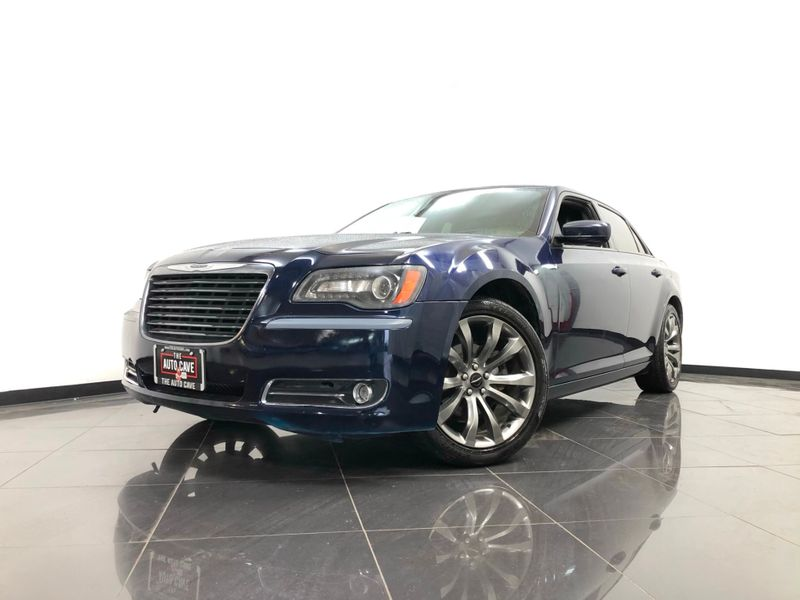 2014 Chrysler 300 *Easy Payment Options* | The Auto Cave in Addison