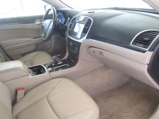2014 Chrysler 300 Gardena, California 8