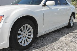 2014 Chrysler 300 Hollywood, Florida 11