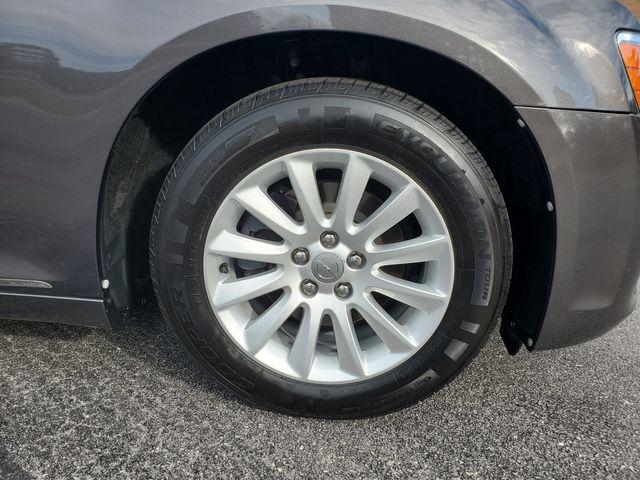 2014 Chrysler 300 Sedan in Hope Mills, NC 28348