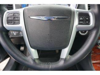 2014 Chrysler 300 Base  city Texas  Vista Cars and Trucks  in Houston, Texas