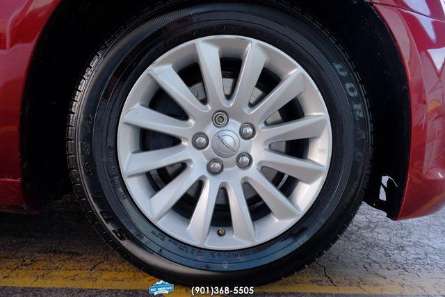 2014 Chrysler 300 Base in Memphis, Tennessee 38115