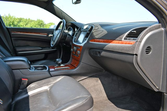2014 Chrysler 300 Naugatuck, Connecticut 1