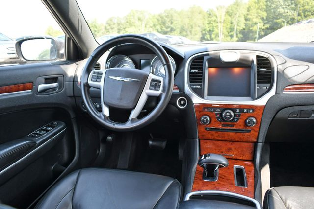 2014 Chrysler 300 Naugatuck, Connecticut 8
