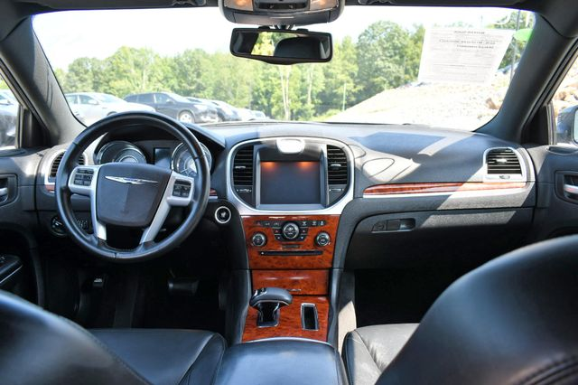 2014 Chrysler 300 Naugatuck, Connecticut 9