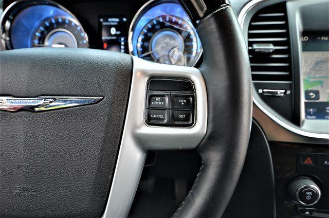 2014 Chrysler 300 300C in Reseda, CA, CA 91335