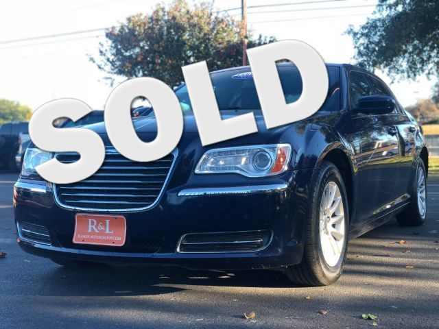 2014 Chrysler 300 RWD in San Antonio, TX 78233