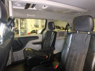 2014 Chrysler Town & Country, b/u camera, heated seats, Touring-L 30th Anniversary Saint Louis Park, MN 23