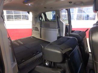 2014 Chrysler Town & Country, b/u camera, heated seats, Touring-L 30th Anniversary Saint Louis Park, MN 24