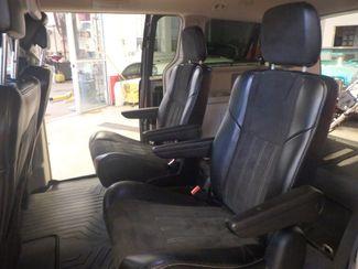 2014 Chrysler Town & Country, b/u camera, heated seats, Touring-L 30th Anniversary Saint Louis Park, MN 27