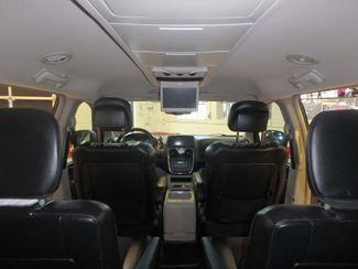 2014 Chrysler Town & Country, b/u camera, heated seats, Touring-L 30th Anniversary Saint Louis Park, MN 35