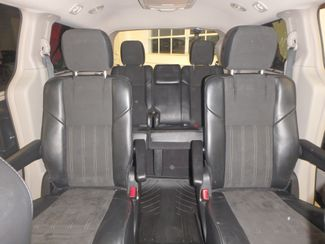 2014 Chrysler Town & Country, b/u camera, heated seats, Touring-L 30th Anniversary Saint Louis Park, MN 37