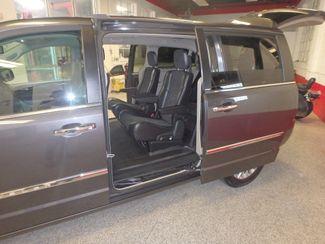 2014 Chrysler Town & Country, b/u camera, heated seats, Touring-L 30th Anniversary Saint Louis Park, MN 5