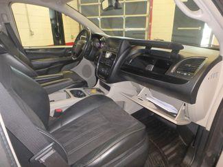 2014 Chrysler Town & Country, b/u camera, heated seats, Touring-L 30th Anniversary Saint Louis Park, MN 41