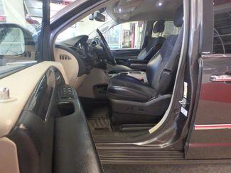 2014 Chrysler Town & Country, b/u camera, heated seats, Touring-L 30th Anniversary Saint Louis Park, MN 3