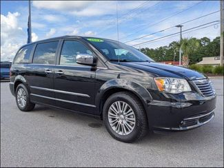 2014 Chrysler Town & Country Touring-L in Charleston, SC 29414