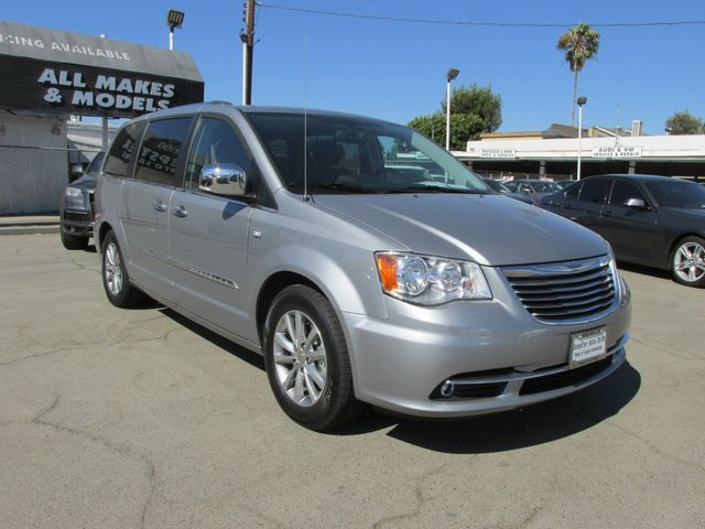 2014 Chrysler Town & Country Touring-L 30th Anniversary in Costa Mesa, California 92627