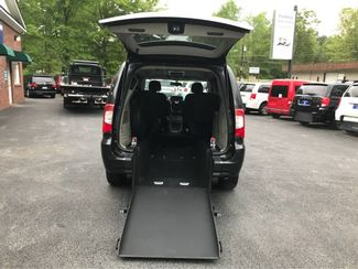 2014 Chrysler Town & Country Touring.handicap wheelchair accessible van Dallas, Georgia 1