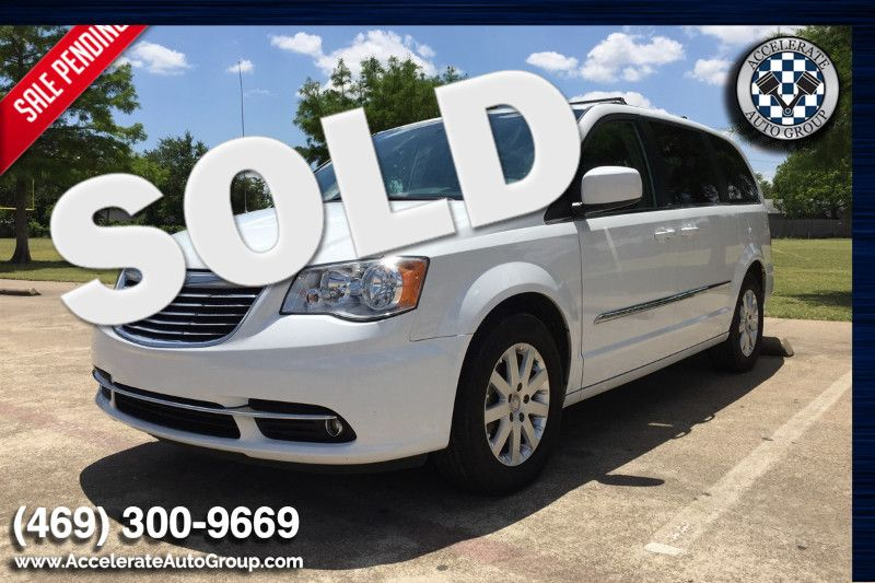 2014 Chrysler Town & Country Touring in Rowlett Texas