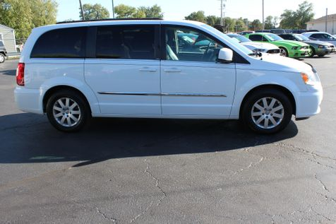 2014 Chrysler Town & Country Touring | Granite City, Illinois | MasterCars Company Inc. in Granite City, Illinois