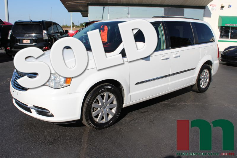 2014 Chrysler Town & Country Touring | Granite City, Illinois | MasterCars Company Inc. in Granite City Illinois