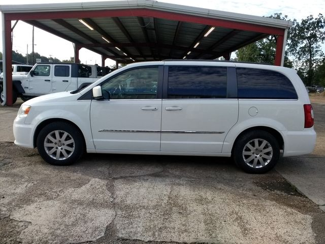 2014 Chrysler Town & Country Touring Houston, Mississippi 3