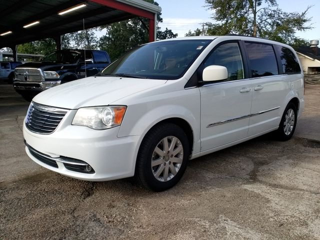 2014 Chrysler Town & Country Touring Houston, Mississippi 1