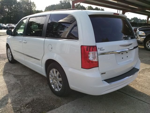 2014 Chrysler Town & Country Touring Houston, Mississippi 5