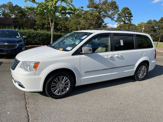2014 Chrysler Town & Country Touring-L in Kernersville, NC 27284