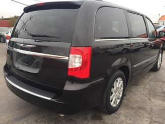 2014 Chrysler Town & Country Touring AUTOWORLD (702) 452-8488 Las Vegas, Nevada 2
