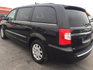 2014 Chrysler Town & Country Touring AUTOWORLD (702) 452-8488 Las Vegas, Nevada 3