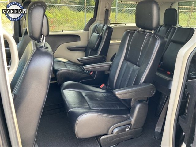 2014 Chrysler Town & Country Touring Madison, NC 18