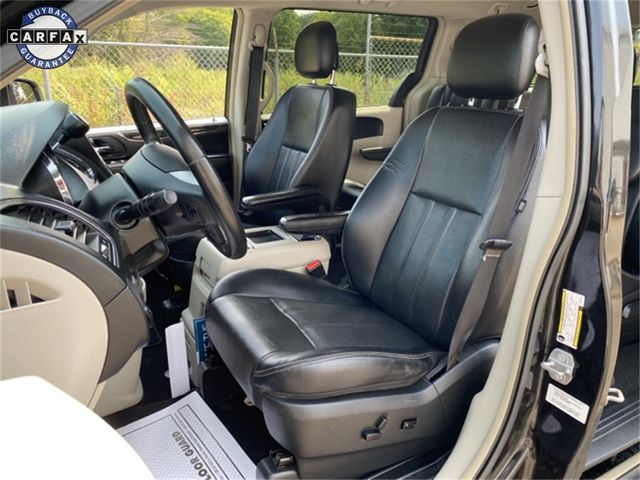 2014 Chrysler Town & Country Touring Madison, NC 19
