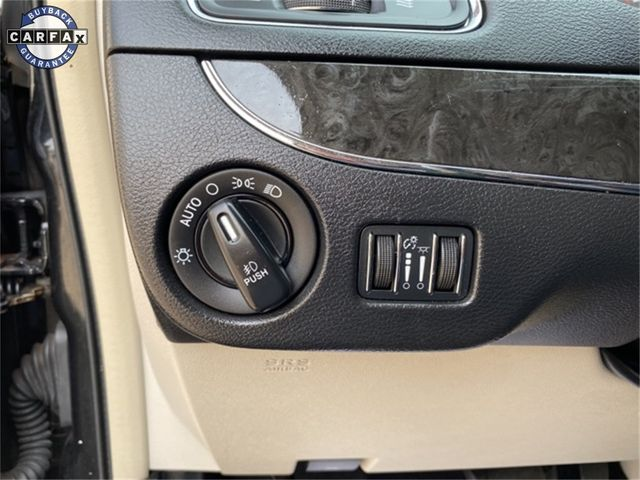 2014 Chrysler Town & Country Touring Madison, NC 27