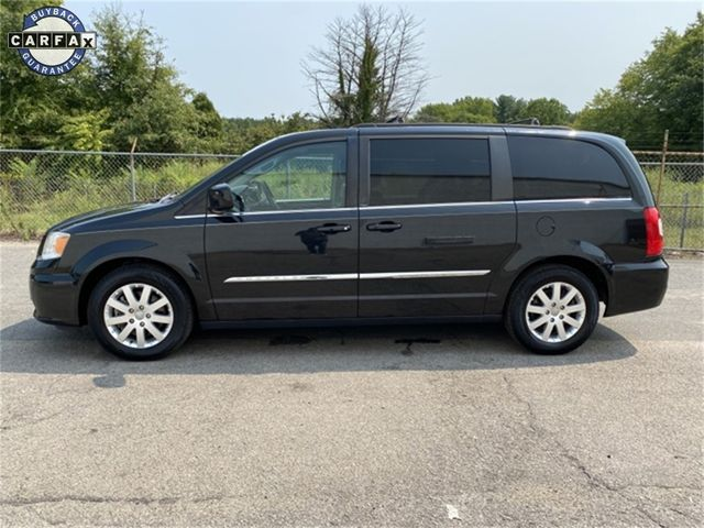 2014 Chrysler Town & Country Touring Madison, NC 4
