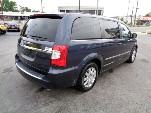 2014 Chrysler Town & Country Touring in Nashville, Tennessee 37211