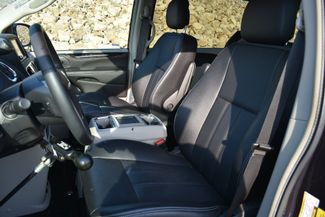 2014 Chrysler Town & Country Touring Naugatuck, Connecticut 17